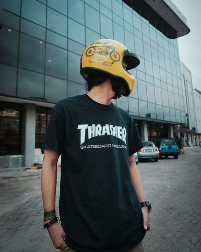 Look at back. Thrasher Fashion Stories One Man Only One Person Only Men Waist Up Mid Adult Adults Only Casual Clothing Outdoors People Portrait Adult City EyeEmNewHere