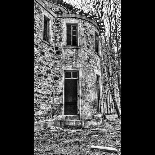 Sigh... Mycamerastories Haddoforgue Aberdeenshire AbandonedScotland abandoned derelict mansion windows roof rural blackandwhite instablackandwhite building architecture stone beautiful love sigh pretty wow trees instascotland igscotland visitscotland BrilliantMoments lost forgotten
