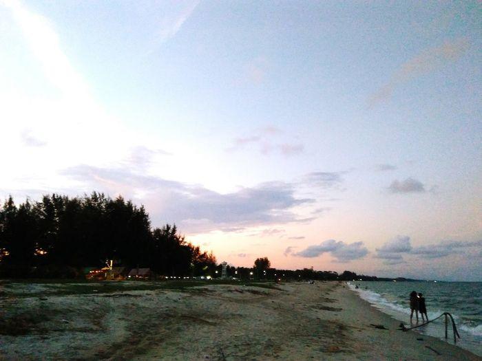 หาดท่าสูงบน= Nakhon Si Thammarat in Thailand. ทะเล ท้องฟ้า ทะเลแสนงาม ทะเลไทยยังไงก็สวย ทะเลไทย Water Tree Sea Sunset Beach Sky Cloud - Sky Shore Fishing Rod Ocean Wave Crashing