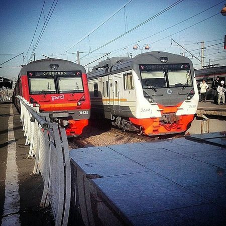 поездато поезд Совок СавеловскийВокзал