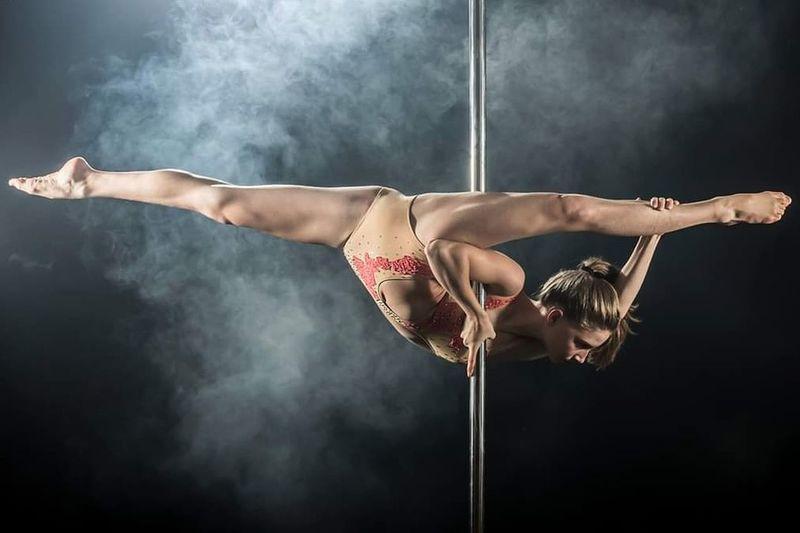 Pole Poledance