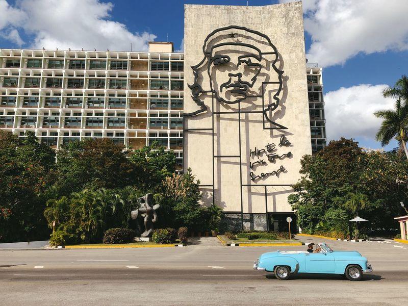 Plaza de la Revolución Havana Classic Car Che Guevara Cuba Tree Car Sky Cloud - Sky Statue Sculpture Architecture