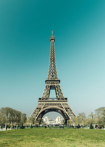 Architecture City City Life Cityscape Clear Sky France Freshness Grass Green Icon Outdoors Paris Paris, France  Relaxing Sky Spring Tour Eiffel Tourism Tourist Tower Tranquil Scene Tranquility Travel Travel Photography Traveling