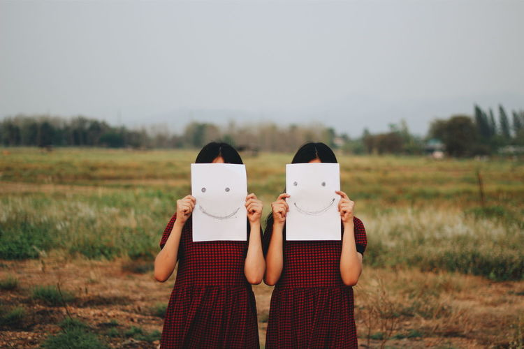 Twins smile Taking Photos First Eyeem Photo Smile :) Cheese! Horror Photography Horror Portrait Portrait Photography Portrait Of A Woman