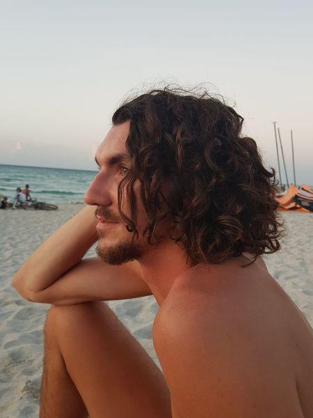 beachday in Kuba Beach Beachphotography Man Manwithlonghair Sunset Sunlight Playa Playa #beach EyeEm Selects Water Sea Beach Portrait Summer Sand Swimming Beauty Sunbathing Beach Holiday Beach Towel Lounge Chair Swimwear Wet Hair Day Dreaming