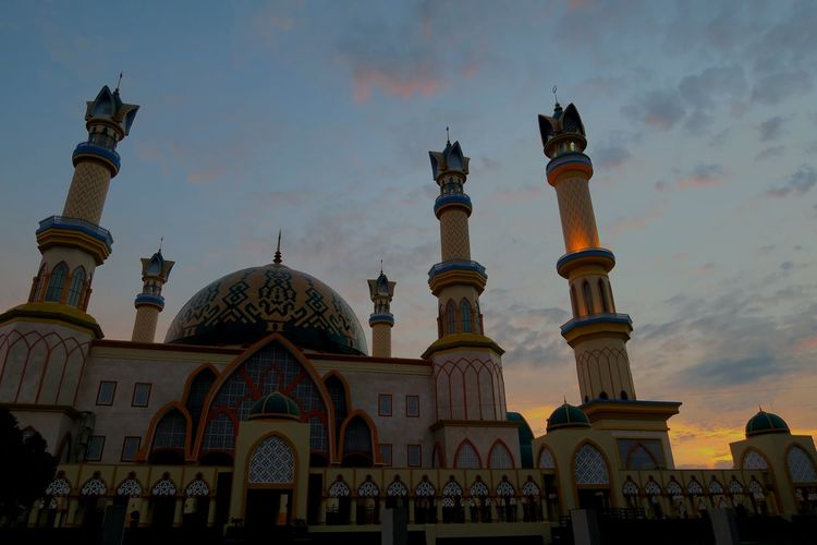 Sunrise.. Lombok Islamic Centre Lombok Island Lombok-Indonesia Showcase JuneMataramCity Mataram Lombok