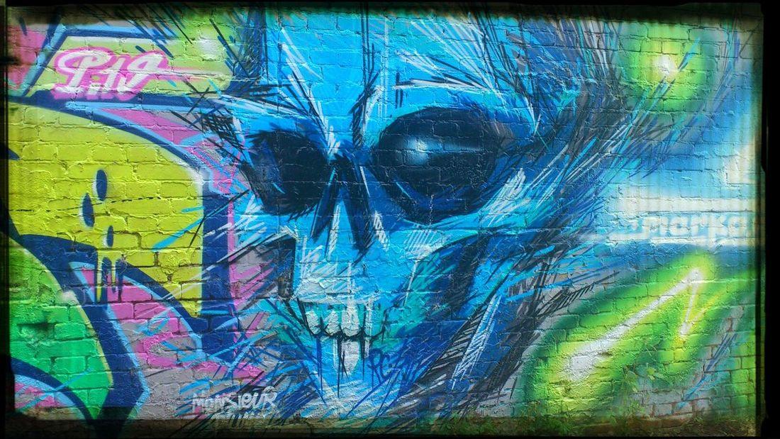 Berlin Wall Of Fame Kreuzberg crazy faces