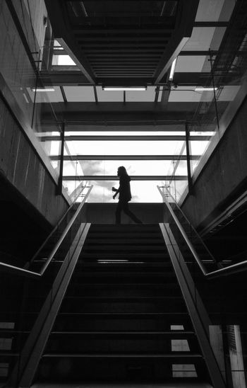 El extraño de pelo largo... Bnw Bogotá City Life Colombia Convenience Eyeem Collection Indoors  Low Angle View Men Modern Outline Railing Silhouette Staircase Steps Steps And Staircases The Way Forward
