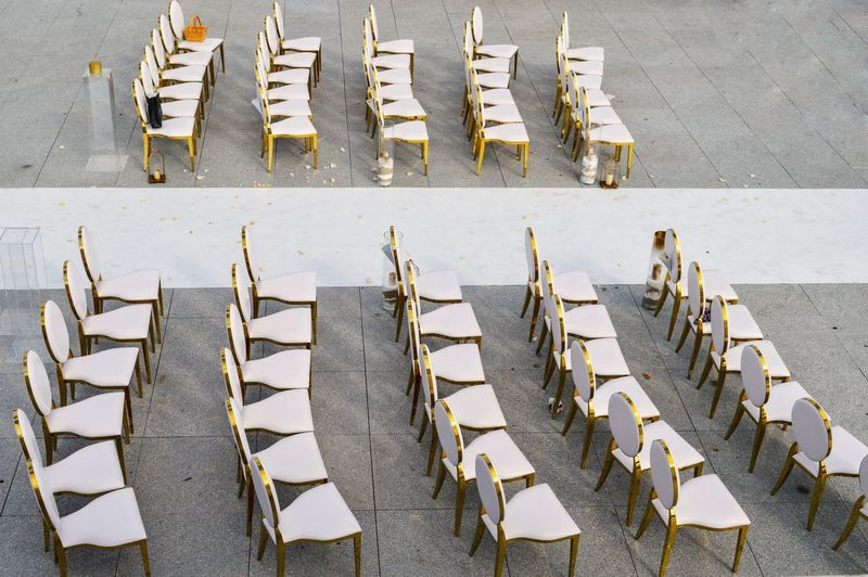 Large Group Of Objects Wedding Wedding Ceremony Wedding Day Outdoors Chairs White White Color EyeEm Selects In A Row Hooded Beach Chair Arrangement Newlywed Wedding Vows Repetition Medium Group Of Objects Side By Side
