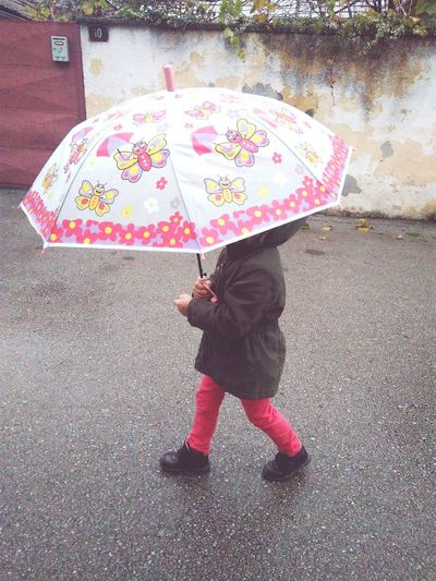 rain walk bad wather Girl
