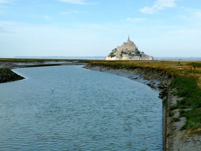 Saint Michel Monte Sightseeing Huawei P9 Lite Water Bird Landscape Tide River