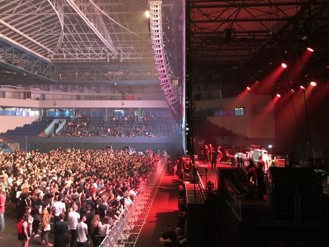 Large Group Of People Crowd Audience Event Real People Performance Arts Culture And Entertainment Men Illuminated Music Placebo Stage Light Popular Music Concert Concert Hall  Indoors  Day People Placebo20 Sommergefühle