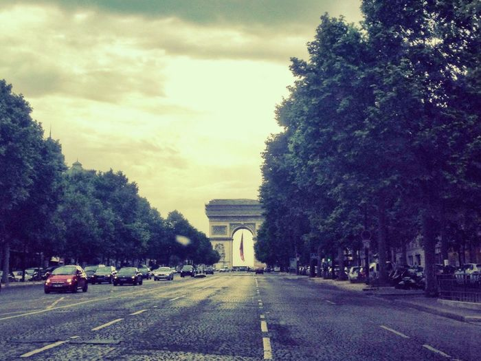 Dday remembrance Streetphotography Arc De Triomphe Architecture Urbanscape Vanishing Point