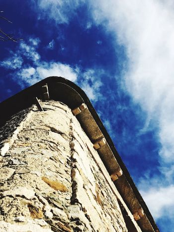 Low Angle View Sky Architecture Built Structure Cloud - Sky Building Exterior No People Day Outdoors Nature Miles Away Travelling Travel Photography Contrasto Blue Sky Perfect Day Outdoor Photography EyeEm Gallery Blue Cloud_collection  Cloudy Day