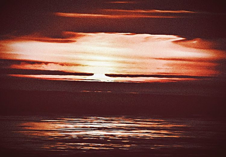 Be grateful for every day, yesterday is just a memory and tomorrow is never guaranteed 😇🙏💋☯ Pacific Ocean Sunset February 2016_OceanSunset Notes From The Underground NaturesAwesomeColors February 2016 My World Your Just In It Oceanphotography Eyem Best Shots- Sunset + Sunrise