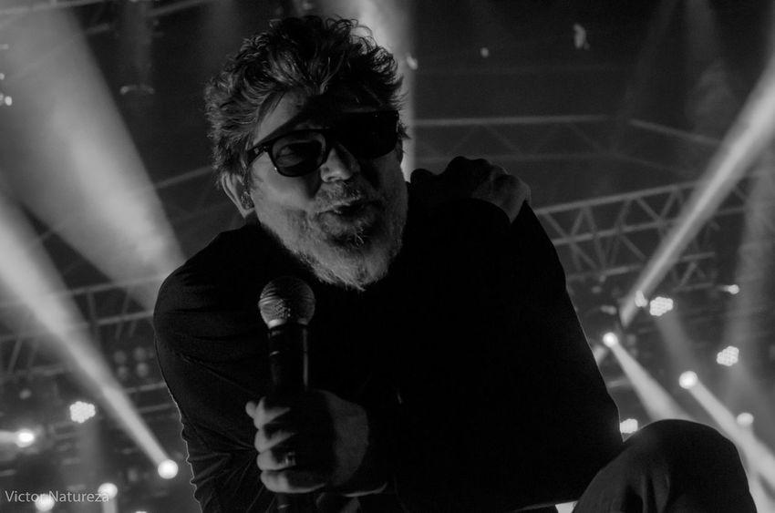 Show dos Titãs no Planeta Rock 2016 Live Rock Rockmusic Titãs Brancomello Victornatureza Vitaonatureza #Luz #sombra Adults Only Adult Only Women One Woman Only People