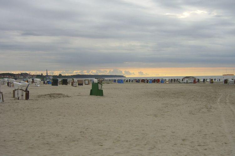 Beach Cloud Cloudy Hooded Beach Chair Küste Nature Ostss Sand Sea Sky Sonnenuntergang Strandkörbe Streetphotography Sunset Sunshade Warnemünde Water Wolkenhimmel