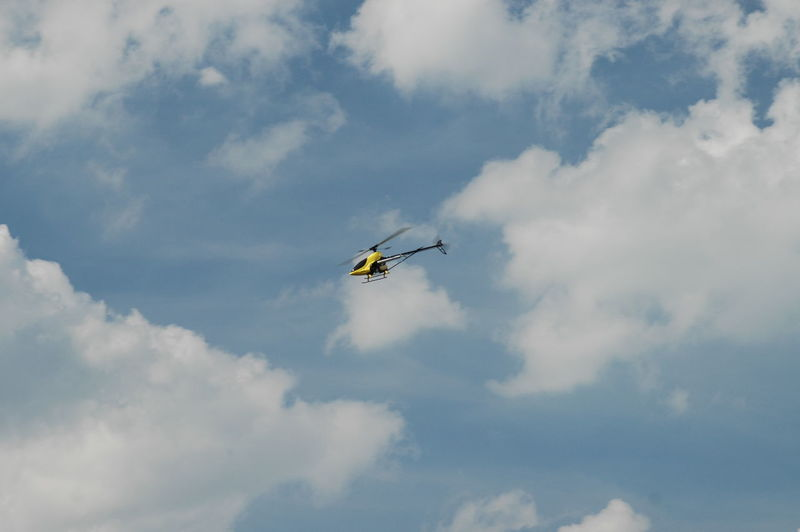 Model helicopter in the clouds Adventure Beauty In Nature Cloud - Sky Clouds Clouds And Sky Day Flight Model Flying Helicopter Helicopter 🚁 Hubschrauber  Low Angle View Mid-air Nature No People Outdoors Sky