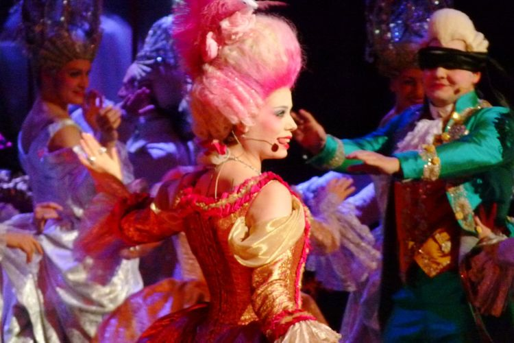 Spectator Spectacle Marie Antoinette 1789 Celebration Dancing Indoors  Only Women Beauty Young Women