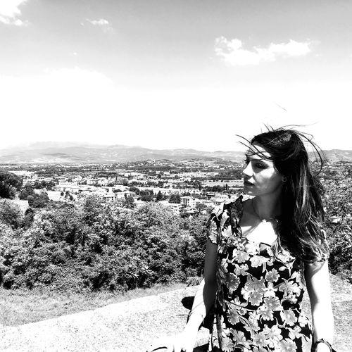 Contemplation Arezzo Fortezzamedicea Loneexplorer Travelingarounditaly View Youngwoman Brunette Blackandwhite Relax