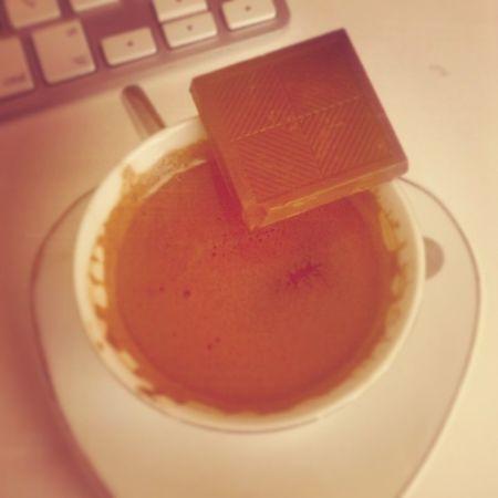 Kahve île çikolatanın Aşkı