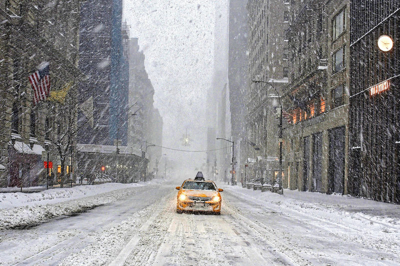 5th Avenue 5th Avenue, NYC Car Cold Cold Temperature Frozen New York City NYC NYC Photography NYC Street NYC Street Photography Road Season  Snow Snowstorm Snowstorm2016 Snowstormjonas Street Taxi Weather White Winter
