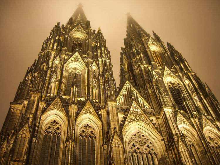 Cologne Cathedral in the fog at night. I don't know the reason why, but there was some special light in the sky at that night. It was very foggy and there was a great atmosphere. By the way, no filter was used and the color isn't edited. Architecture Fog Architectureporn Art And Craft Cathedral Church Churches Cologne Cologne , Köln,  Cologne Cathedral Colognecathedral International Landmark Kölner Dom Showcase: November Landmark Foggy Night Light Seeing The Sights Night Photography Night View Nightphotography Nightshot The Architect - 2016 EyeEm Awards Gothic Church Köln