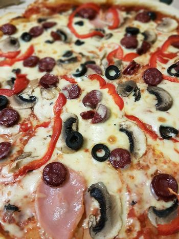 Pizza Pizza🍕 Pizzalover🍕🍕🍕 Food Stories Food And Drink Food Indoors  Close-up No People Freshness Ready-to-eat