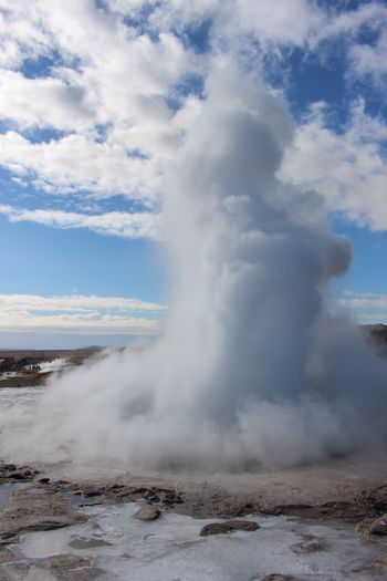 Boom Volcaniclandscape Geyser Geysir Fieldtrip Winter Geology Iceland Memories Iceland Hiking Geography Iceland_collection Tourist Countryside Nature Volcanic