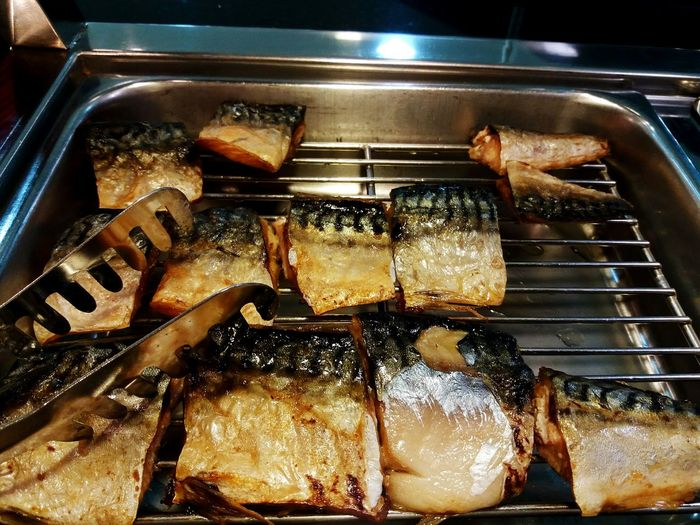 Slice of Grilled saba fish Food And Drink Food Indulgence Unhealthy Eating Temptation Indoors  Saba Fish Japanese Food Ready-to-eat Preparation  Freshness Close-up Lunch Grilled Healthy Food Freshness Preparation No People Fish Sweet Food Close-up Ready-to-eat Day