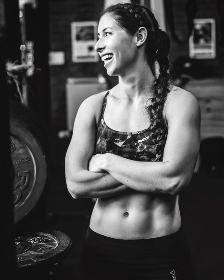 JoseEstebanPhoto Portrait Of A Woman Gorgeous Girl Beautiful Portrait Photography Beauty Brunette Photooftheday Stunning Muscles Fitnessmodel Sexygirl Strongwoman Fitness Crossfit Panamá Athlete Fit Monochrome Blackandwhite Modeling Black And White Sixpack Abs Model
