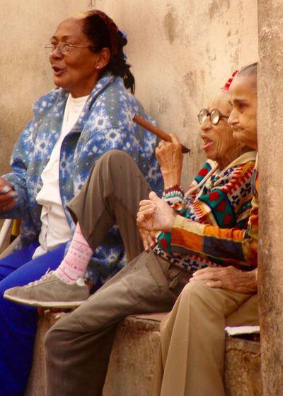 that's havanna Zigar Havanna, Cuba Cuba Zigarre Adult Two People Women Sitting Senior Adult Three Quarter Length Females