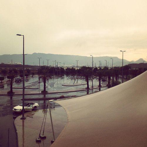 Raining and a Powerfully Windy Day at aliat mall almadinah madina madinah saudi_arabia saudi arabia عالية المدينة المنورة