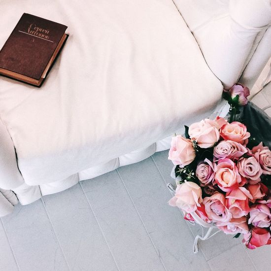 Flower Rose - Flower Wedding Bouquet High Angle View Celebration Indoors  Petal No People Pink Color Beauty In Nature Freshness Nature Day Flower Head