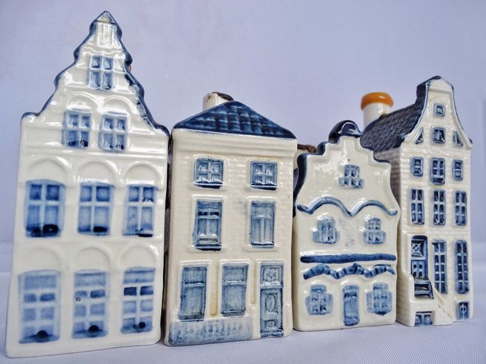 Klm Business Class Houses KLminiature KLM Delft Blue Gift Drinks Houses Miniature Genever Alcohol Alcoholic Drink Alcoholic Beverages Traditional House Facades Facade Building Typical Amsterdam Dutch House The Netherlands Holland
