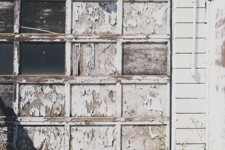 Full frame shot of old abandoned building