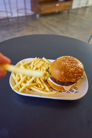Burger Close-up Fast Food Focus On Foreground Food Food And Drink French Fries Freshness Hamburger Indoors  Indulgence Italian Food No People Pasta Plate Potato Ready-to-eat Serving Size Snack Spaghetti Still Life Table Take Out Food Temptation Unhealthy Eating
