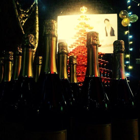 シャンパンタワー シャンパンタワー ホストクラブ シャンパン パーティー Birthday