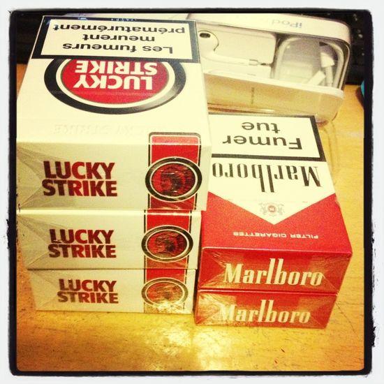 Je Crois Que Ma Famille Sait Que Je Fume. Aha