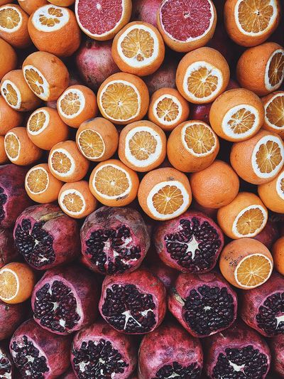 EyeEm EyeEm Gallery Istanbul Street Pomegranate Variation Orange - Fruit Fruit Large Group Of Objects Cross Section No People SLICE Citrus Fruit Multi Colored Backgrounds Food Freshness Healthy Eating