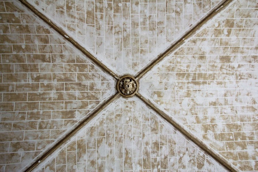 Architecture Ceiling No People Built Structure Pattern Wall - Building Feature Backgrounds Wall Shape Design Indoors  Geometric Shape Low Angle View Full Frame Day The Past History Textured  Close-up Ornate Directly Below