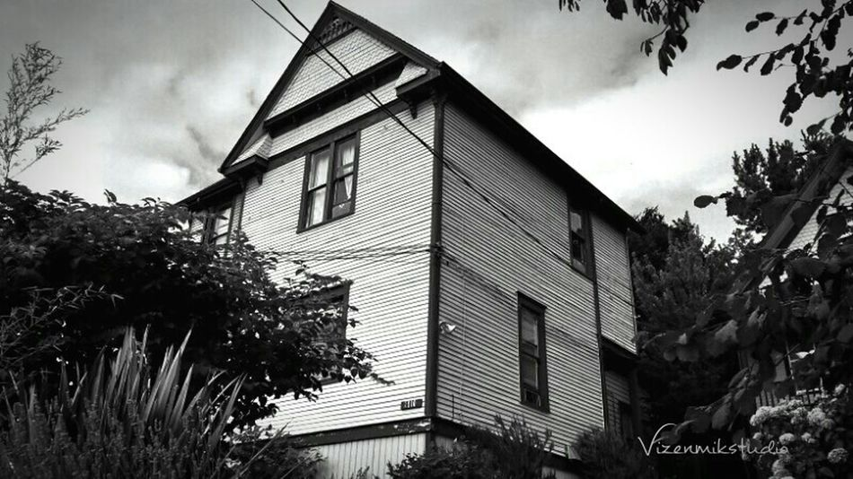 Taking Photos Photography Old Buildings Apartment Buildings Outdoors Photograpghy  Queenanne Old Houses EE_Daily: Black And White B/W Photography Seattle