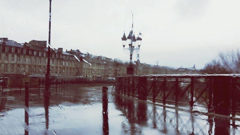 Bordeaux Pluie Rain Flou