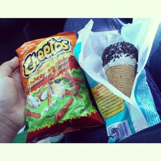 Earlier today. With mom and sister. ? When we picked up le sis. PaleteroMan CookiesNcream Hotcheetos ?