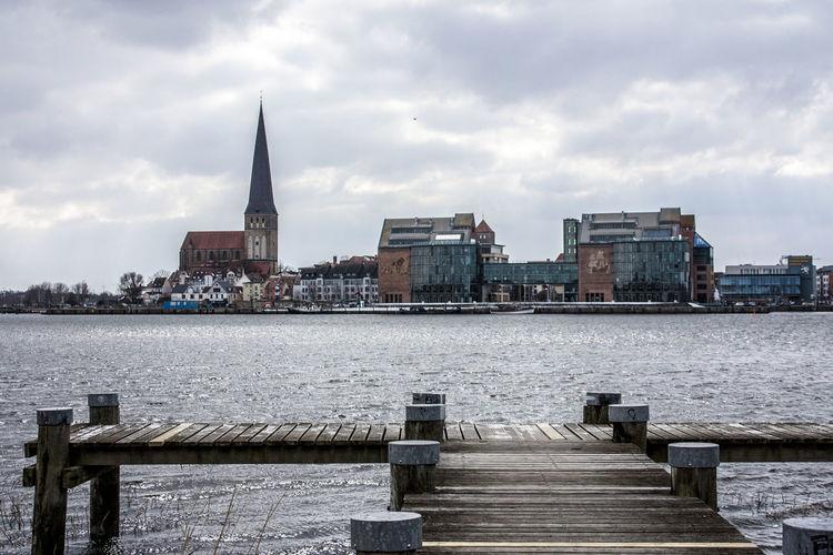 Cityview Die Schönheit Des Nordens Die Stadt Am Meer Gehlsdorfer Ufer Hansestadt Hansestadt Rostock Marítim Norddeutschland Rostock Rostocker Ansichten Stadthafen Rostock