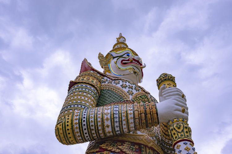 Ancient Architecture Giant Giant Panda Holiday Monastery Ramakien Statue Travel Wat Arun Art Batons Buddhism Cloud - Sky Landmark Place Of Worship Religion Religious  Sculpture Sky Spirituality Statue Temple Traditional Vacation