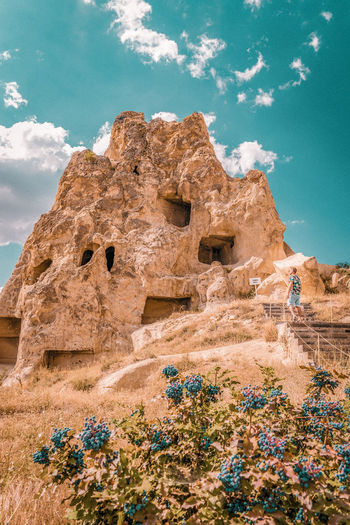 Cappadocia Cappadocia/Turkey Cappadocia Ballon Kapadokya Turkey Turkeyphotooftheday Turkey♥ Vacation Holiday Man Boy EyeEm Selects Multi Colored Sand Sand Dune Blue Beach Desert Sky Civilization Archaeology Ancient History Voyage Exploring Trip Old Ruin Historic Ancient Rock Hoodoo