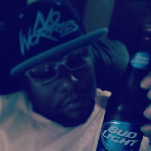 Noworries Budlight Smoothandrefreshing fuck it startin a lil early...not too much....just enough to cool down YA DIIIIIIIIGG!!!!!!!
