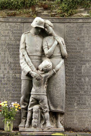 Art And Craft Art Photography Back From War Bronzeguß Day Family Helden HERO History Human Representation Monument No People Outdoors Sculpture Soldier Statue Statue War Warrior