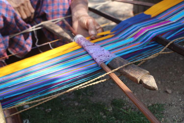 Tenun Tradisional Tenun Craft Creativity Loom Pattern Tenun Ikat Indonesia Textile Weaving